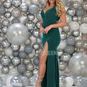 New formal prom gown. Evening party dresses
